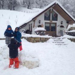 cazare la ferma de sub penteleu - iarna (7)